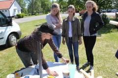 Dela trädgård samarbete med några klasser i högstadiet.